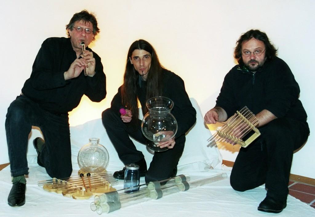 """Das Trio """"Pura Crema"""" gastiert im Rahmen des 2. Neunburger Kunstherbstes am 14. November, 20 Uhr, im   historischen Schlosssaal."""