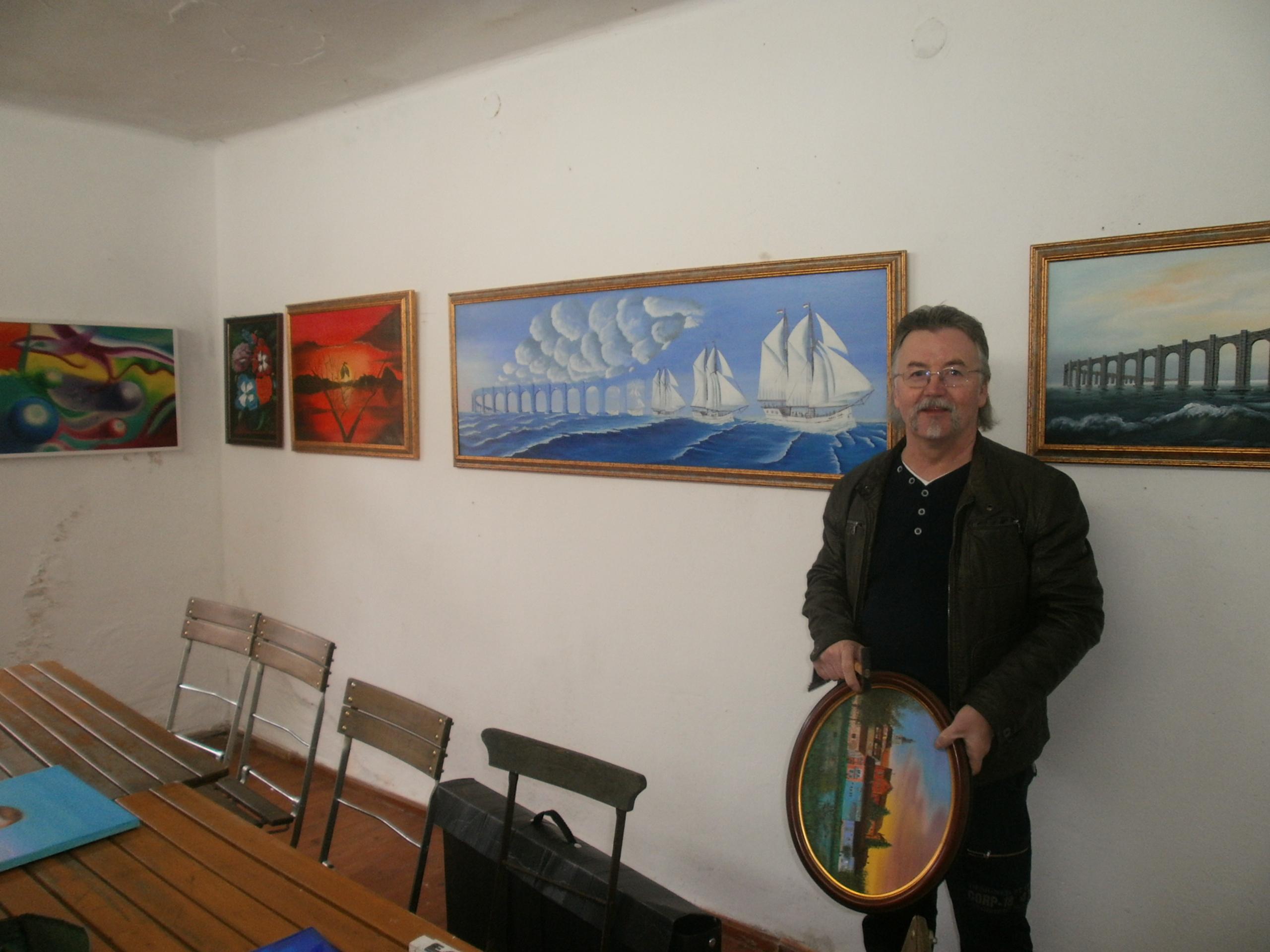 Neumitglied Andras Olah aus Bodenwöhr stellt erstmals bei der Werkschau des KVU aus.