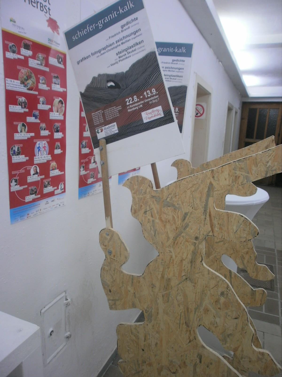 """Die Ausstellung """"Begegnung 15 - Steine"""" ist noch am Altstadtfest-Wochenende und jeden Sonntag bis 13.9. im Kunstquartier geöffnet."""