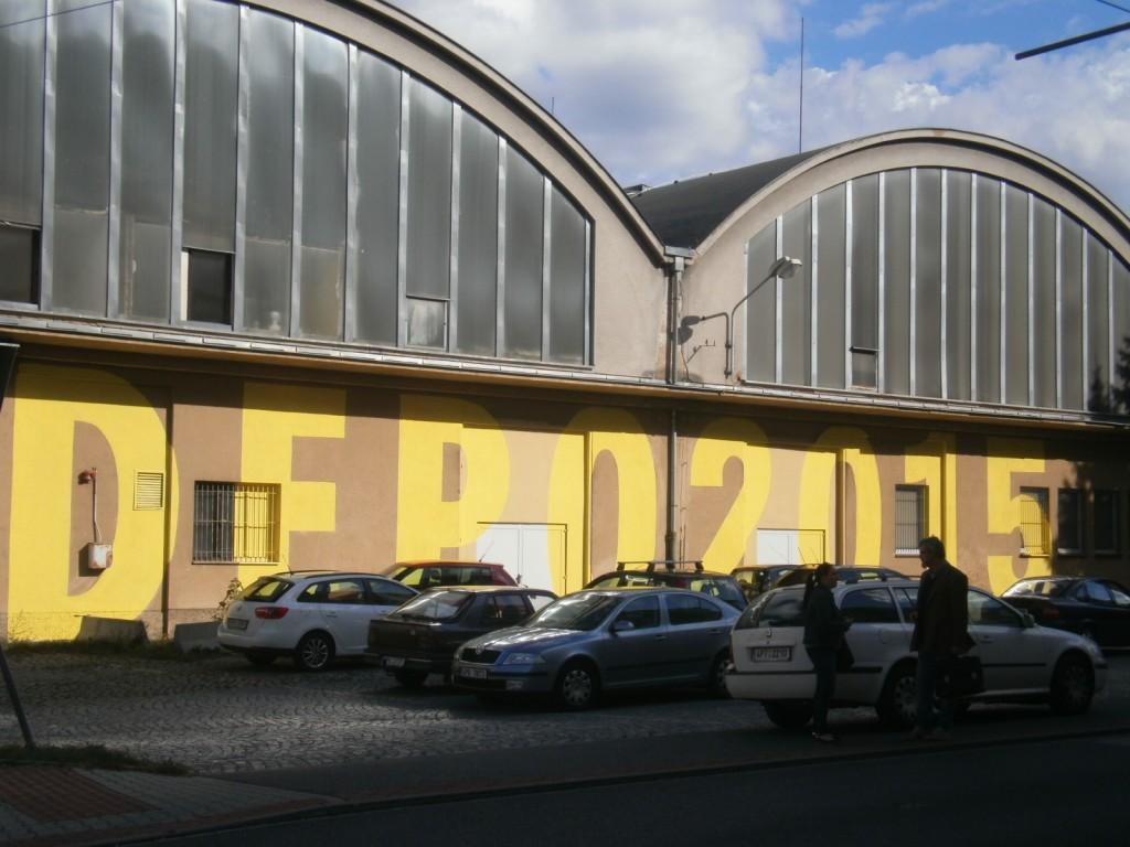 Auf dem ehemaligen Gelände der Pilsener Verkehrsbetriebe ist die Kreativ-Zone DEPO 15 etabliert.