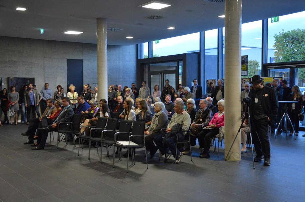 """""""Ahoj15""""-Eröffnung im Foyer der Schwarzachtalhalle."""
