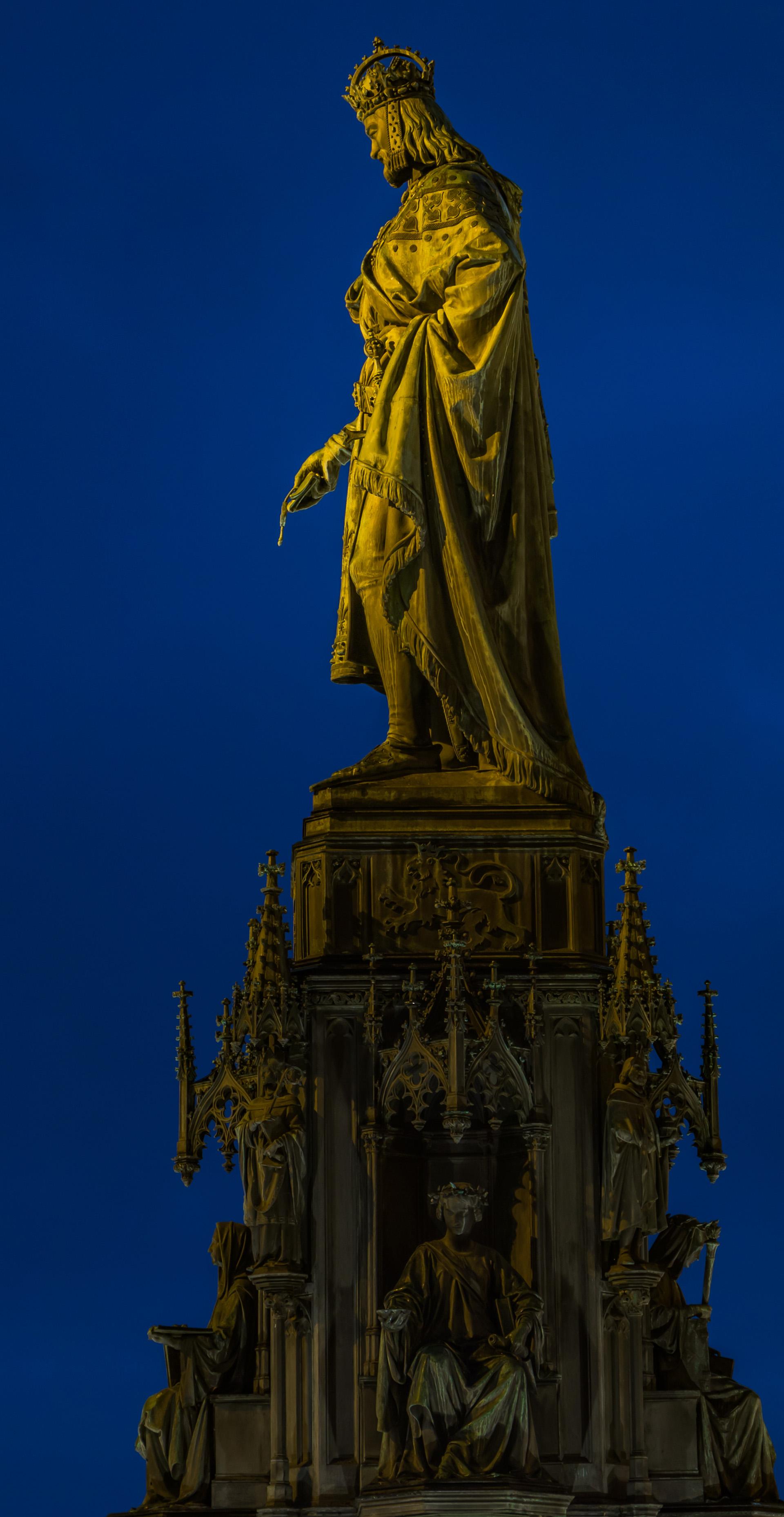 Das Kaiser Karl IV.-Denkmal in Prag.