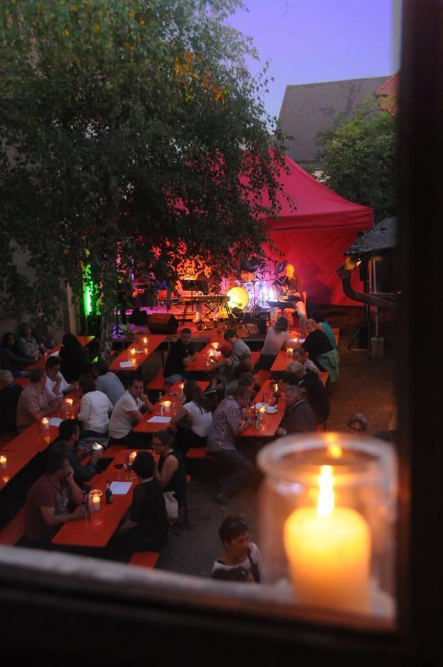 Weinlauben-Romantik in einer lauen Sommernacht