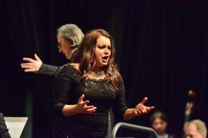 Die russische Mezzosopranistin Daria Samarkskaya brillierte bei zwei Rossini-Arien.