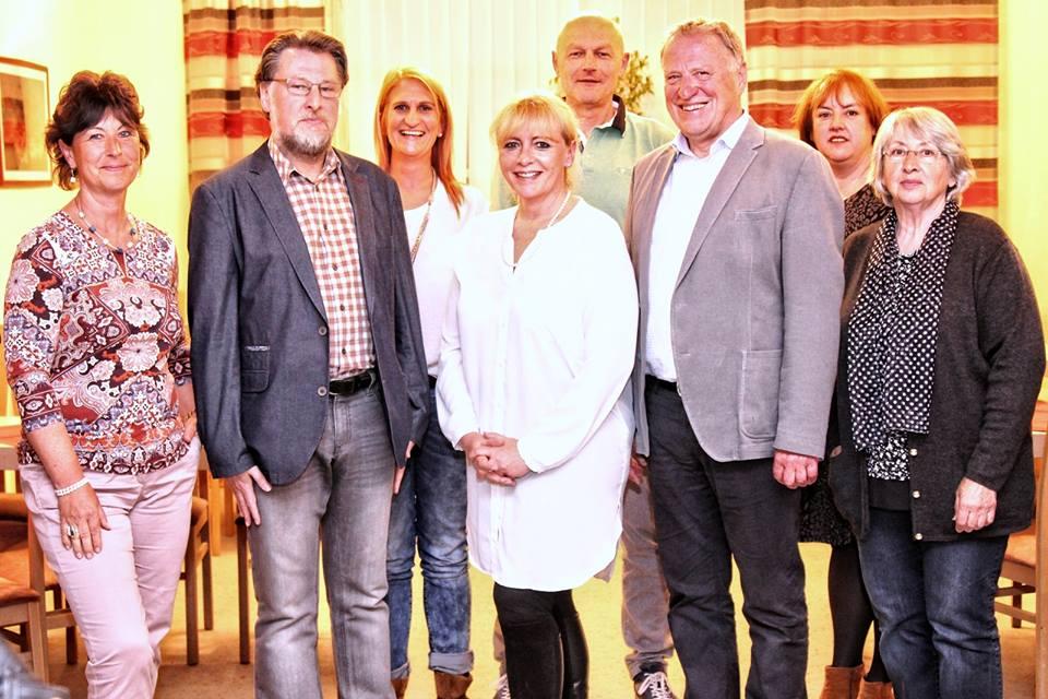 Der neue KVU-Vorstand von li. n. re.: Tanja Lennert, Karl Stumpfi, Barbara Deml, Beate Seifert, Jürgen Zach, Peter Wunder, Dana Ettl und Renate Ullmann. Foto: Tanja Kraus, MZ