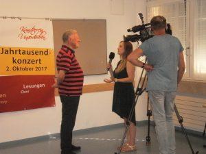 KVU-Geschäftsführer vor der OTV-Kamera.