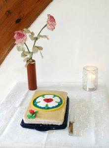Torte mit Luther-Rose