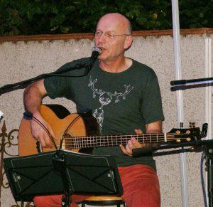 Jürgen Zach, Gesang und Bassgitarre