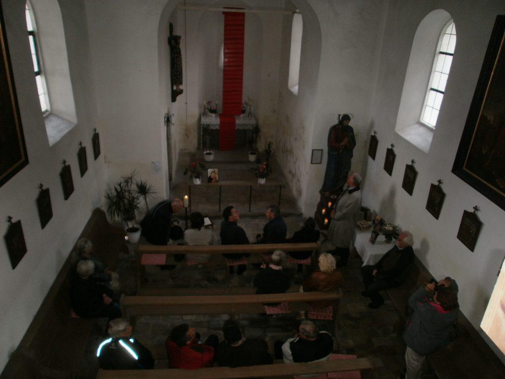 St. Jakob, die älteste Kirche Neunburgs, als Kunststation der Internationalen Ahoj-17-Ausstellung.