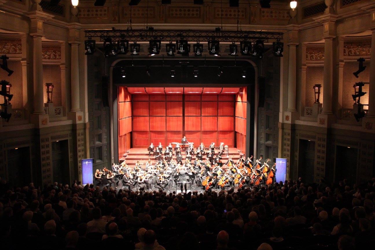 """Im historischen Prinzregententheater in München fand die """"BrucknerIVplus""""-Aufführungsserie mit dem Neunburger Jahrtausendkonzert einen würdigen Abschluss. Foto: Bayerische Philharmonie"""
