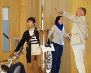 Claudia Schnauffer (Bayer. Philharmonie) und Peter Wunder (KVU) weisen den Weg.