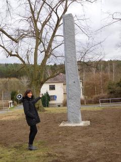 """In Nova Huta bei der """"Geburt eines Obelisken""""."""