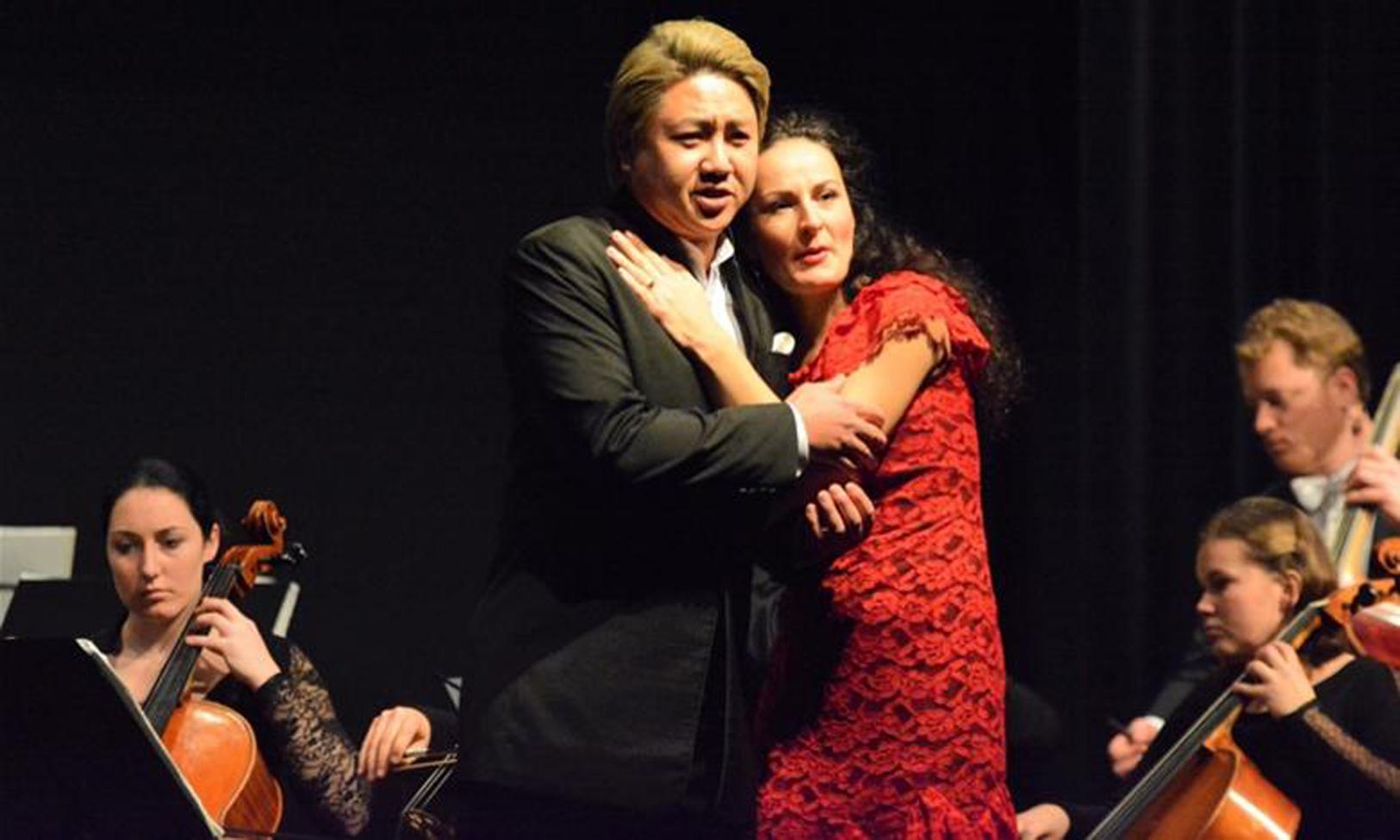 """Duette, die große Emotionen freisetzen: Kyubong Lee und Luminita Andrei mit Ausschnitten aus Verdis """"Rigoletto"""" und eine Mozart-Zugabe aus """"Don Giovanni""""."""