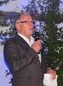 Vorsitzender Peter Wunder moderierte den Eröffnungsabend.