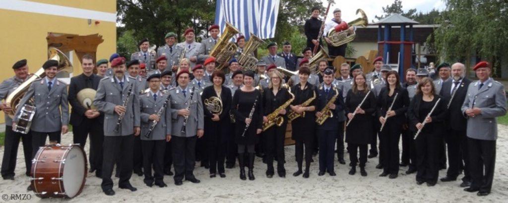 Der Reservistenmusikzug Oberpfalz spielt am 19. September in großer Besetzung im Burghof.