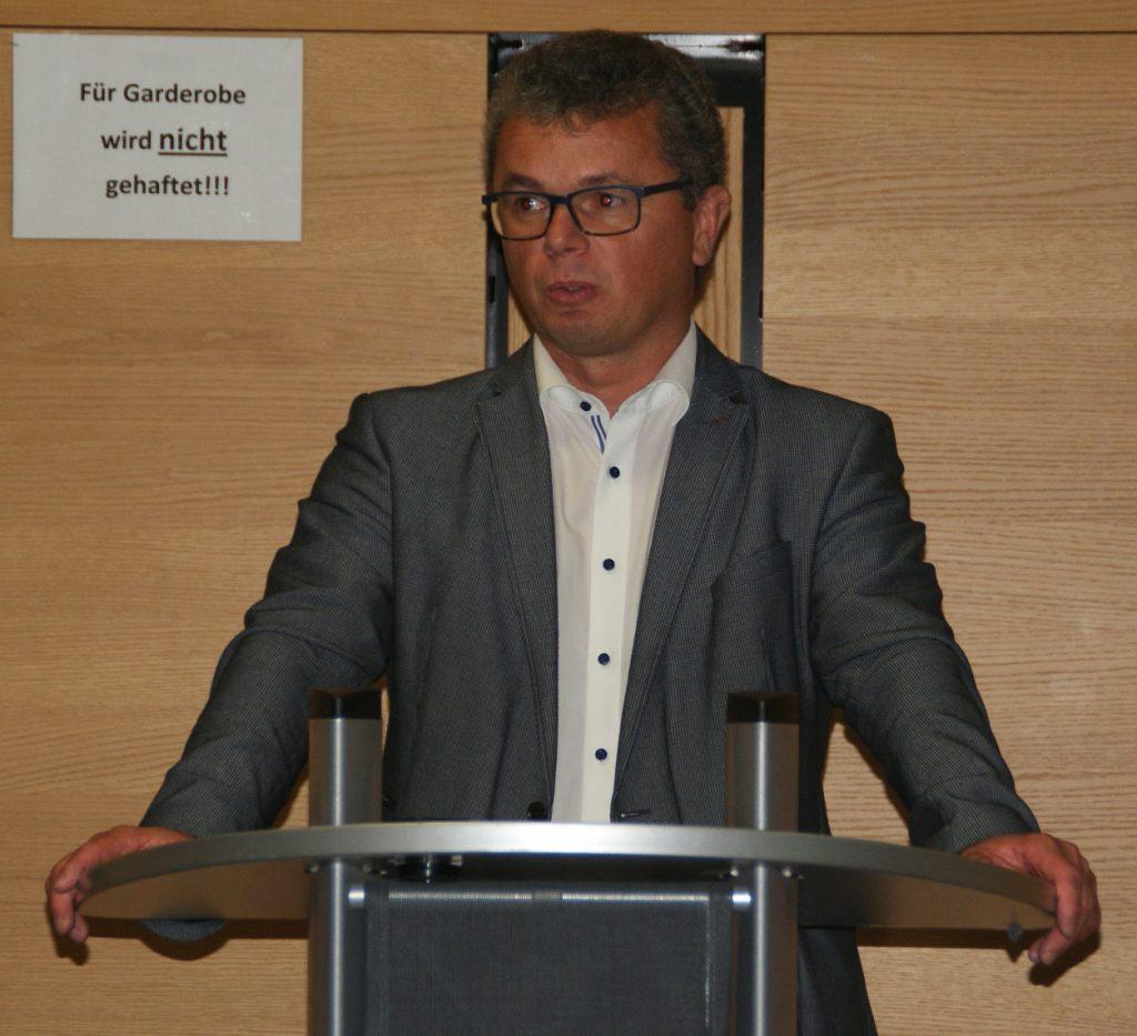 1. Bürgermeister Martin Birner dankte dem Ausstellungsteam des Kunstvereins Unverdorben für sein Engagement und warb für zahlreiche Teilnahme an den Kunstherbst-Events der kommenden Wochen.