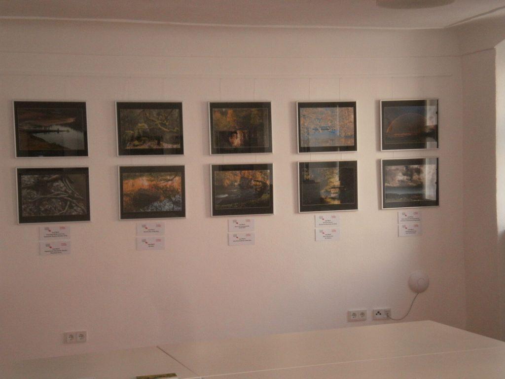 Erstmals tritt die Fronfeste, Im Berg 17, als Bildergalerie für die Ahoj-Ausstellung in Funktion.