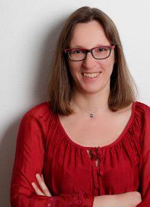 Autorin Sabine Eva Rädisch, Regensburg, leitet den Schreibworkshop.
