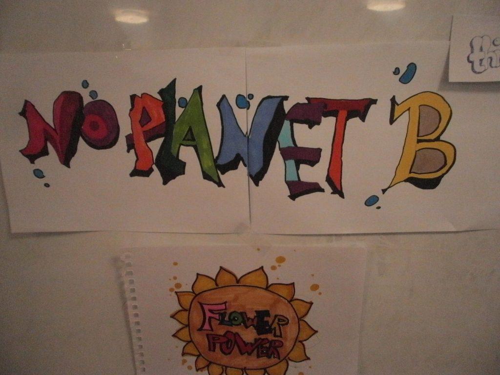 Auf einer Schautafel im Seminarraum gab es Orientierungshilfen bezüglich Graffiti-Schrift.