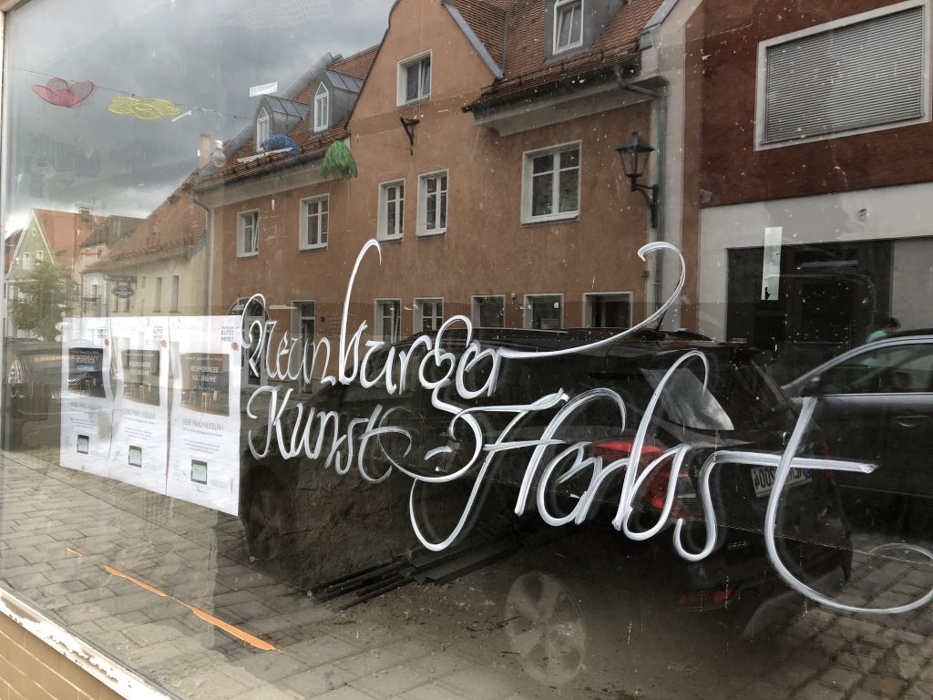 Der Kunstherbst prägt das Neunburger Stadtbild mit... Foto: J. G. Maierhofer